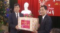 Đồng chí Trần Lê Đoài- phó chủ tịch UBND tỉnh thăm, chúc tết và tặng quà cho tập thể cán bộ công chức, viên chức, người lao động Đài PT-TH Nam Định.