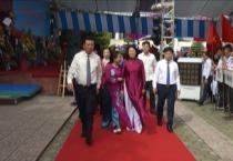 Đồng chí Đặng Thị Ngọc Thịnh, ủy viên Ban chấp hành TW Đảng, phó chủ tịch nước dự lễ khai giảng tại trường THPT chuyên Lê Hồng Phong  Nam Định.