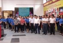 """Khai mạc Triển lãm với chủ đề """"Bác Hồ với Đảng bộ và Nhân dân Nam Định""""."""